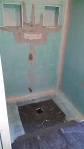 R alisation d 39 une salle de bain avec douche a l 39 italienne for Bac a douche a l italienne