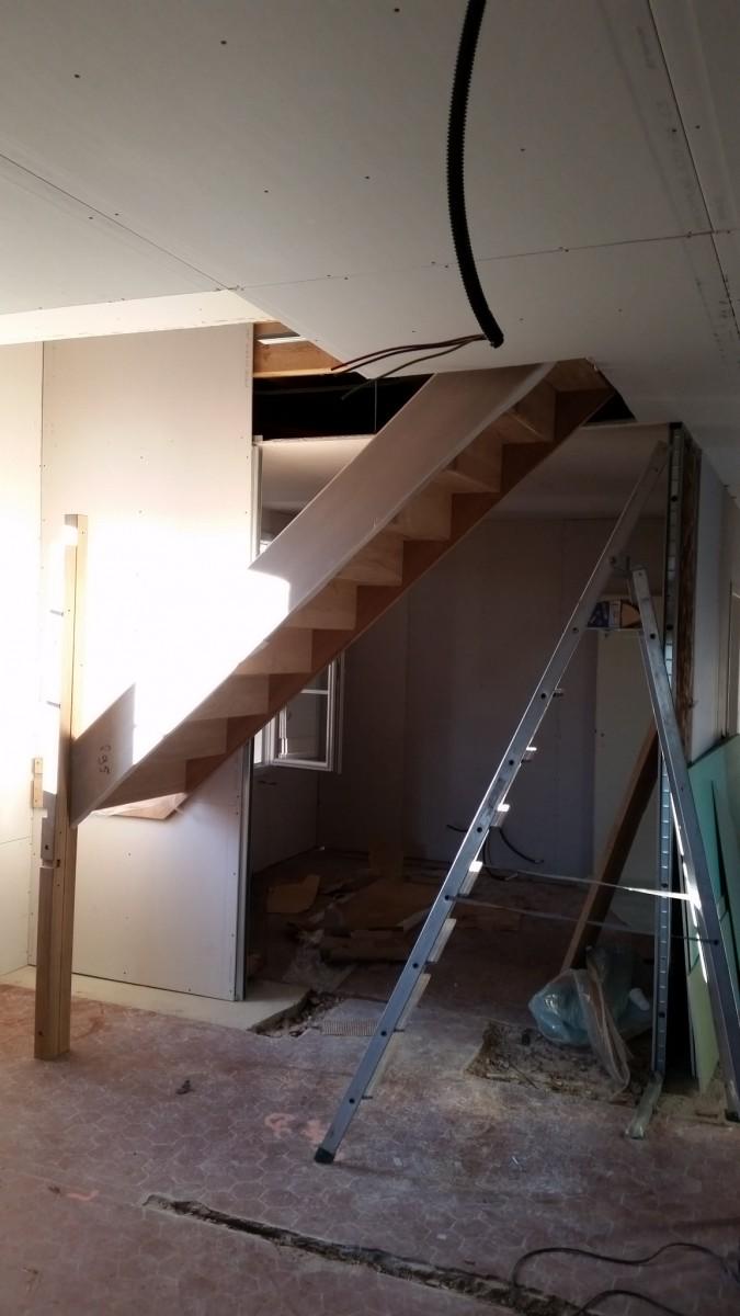 Pose main courante escalier tournant kit main courante - Poser une main courante ...